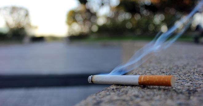 secondhand smoke sidewalk